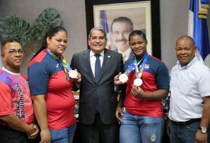 Perdomo Piña resalta actuación pesistas  en Juegos Centroamericanos y del Caribe