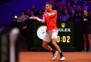 Borna Coric adelantó a Croacia en la final de la Copa Davis