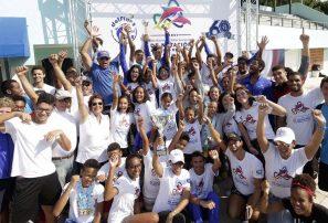 Delfines del Naco conquista primer lugar invitacional internacional