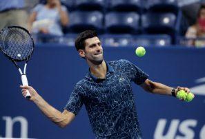 Djokovic le dio una clase abierta a Zverev en Finales de ATP