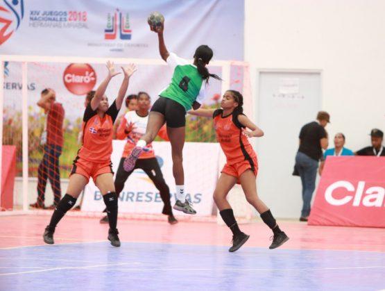 Zona Metropolitana vence al Norte en inicio balonmano femenino