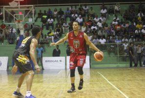 Ciro Pérez y los Buitres triunfan en semifinal basket San Cristóbal