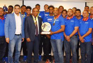 Ministerio de Deportes agasaja equipo RD ganó oro en Centrobasket U-15