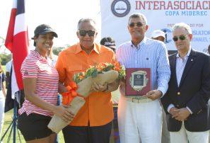 Torneo Interasociaciones fue dedicadoal presidente del COD, Luís Mejía Oviedo