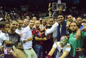 Parque Hostos conquista la final del Baloncesto Superior de La Vega