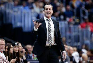 NBA multa a ex dirigente de la selección dominicana de baloncesto